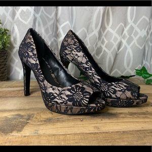 Women's Gianni Bini Lace Platform Heels - Size 6